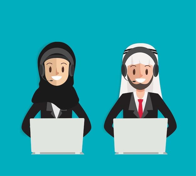 Call center arabski charakter z zestawu słuchawkowego telefonu.