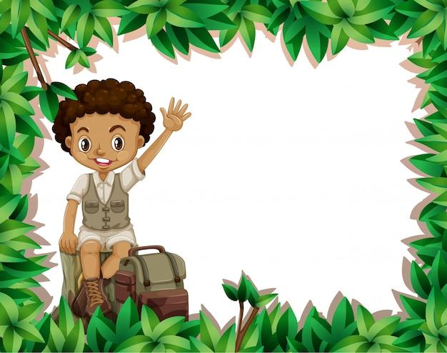 Campingowa chłopiec na natury ramie