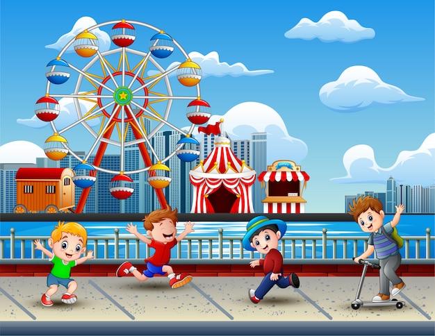 Cartoon dzieci zabawę nad jeziorem