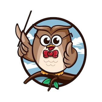 Cartoon smart owl