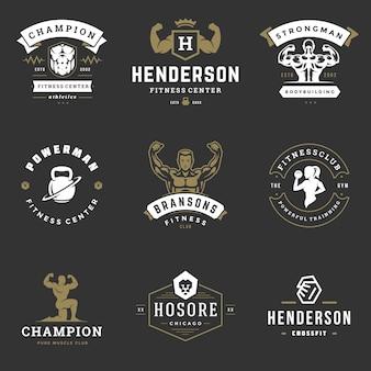 Centrum fitness i sport siłownia logo i odznaki projekt zestaw ilustracji.