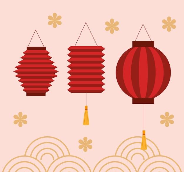 Chiński festiwal w połowie jesieni z wiszącymi latarniami i dekoracją kwiatową