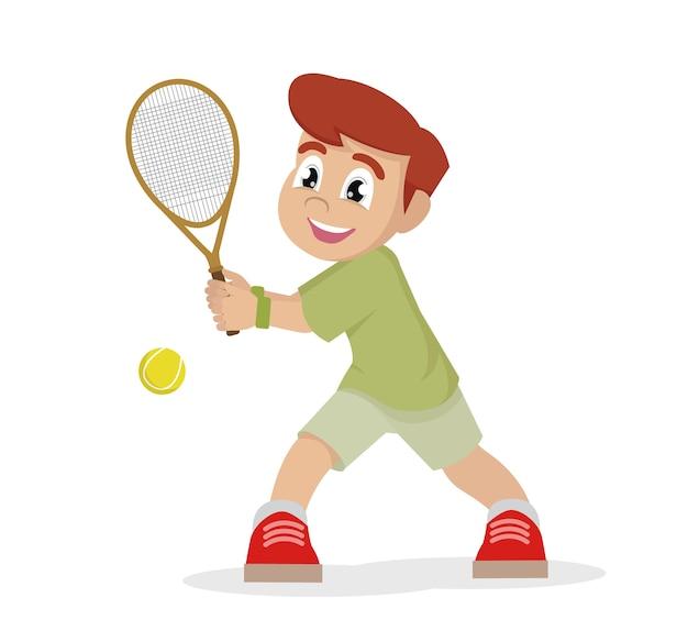 Chłopiec bawić się tenisa na białym tle.
