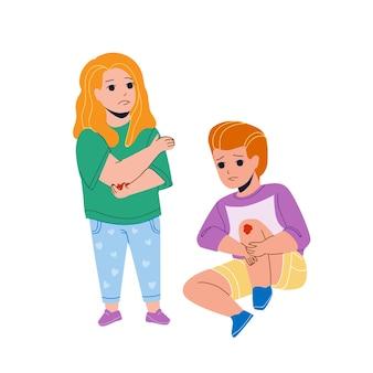 Chłopiec i dziewczynka boli po upadku na ziemi wektor. małe dziecko siedzi na podłodze z urazem kolana i pani niemowlę z urazem łokcia. postacie brat i siostra z rysunkową płaską ilustracją kreskówki