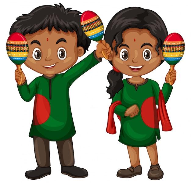 Chłopiec i dziewczynka w strojach indyjskich gospodarstwa shakers