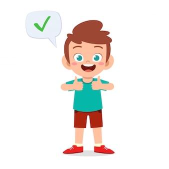 Chłopiec szczęśliwy słodkie dziecko nosić poprawny znak