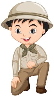 Chłopiec w safari stroju odizolowywającym