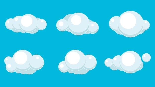 Chmury ustawione na białym tle na niebieskim tle. prosty projekt kreskówka