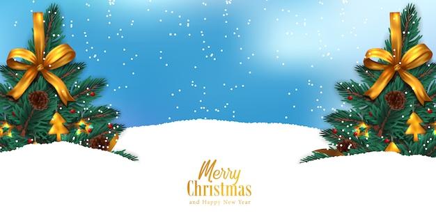 Choinka na śnieżnej scenerii z opadem śniegu dla bożego narodzenia wydarzenia z nieba błękitem