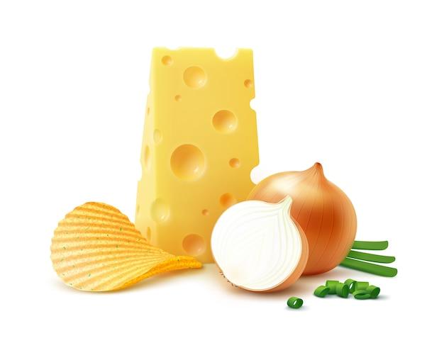 Chrupiące chipsy ziemniaczane marszczyć z serem i cebulą z bliska na białym tle