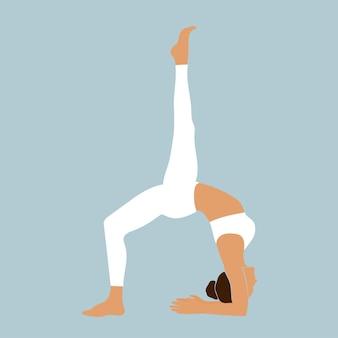 Ciało jogi młoda dziewczyna pozuje