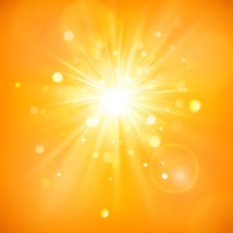 Ciesz się słońcem. ciepłe światło dzienne. tło lato z gorącym słońcem rozbłysk z flary obiektywu.