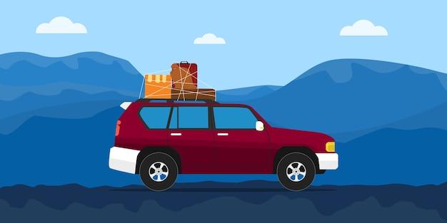 Ciężarówka dom ruchu na drodze z niebieskim góry