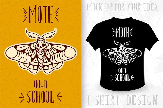 Ćma. nadruk koszulki w stylu monochromatycznym vintage.