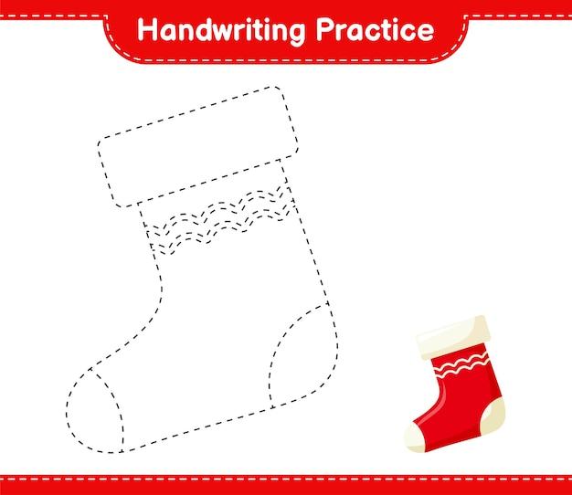 Ćwiczenia pisma ręcznego. śledzenie linii skarpety bożonarodzeniowej. gra edukacyjna dla dzieci, arkusz do druku