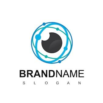 Cyber secure logo, oko z symbolem obwodu technologii