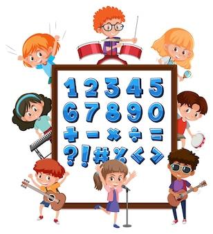 Cyfry od 0 do 9 i symbole matematyczne na banerze z wieloma dziećmi wykonującymi różne czynności