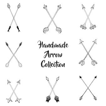Czarno-biała hand drawn arrow kolekcja