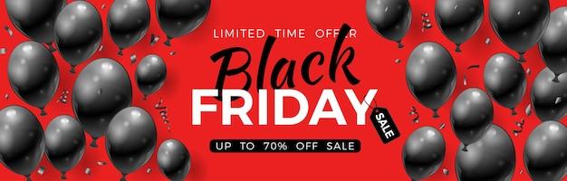 Czarny piątek sprzedaż transparent z błyszczącymi czarnymi balonami, metką i konfetti. na ulotkę z wyprzedażą blackfriday. realistyczna ilustracja na czerwonym tle