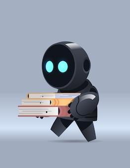 Czarny robot uczeń trzymający książki online edukacja uczenie maszynowe wiedza sztuczna inteligencja