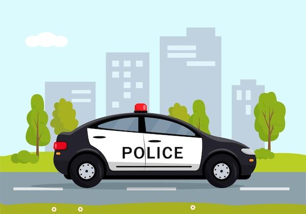 Czarny samochód policyjny w mieście. policjant, samochód policyjny, samochód patrolowy policjanta.