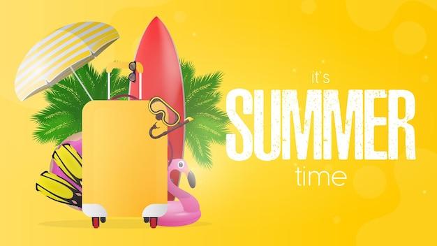 Czas letni żółty sztandar. czerwona deska surfingowa, żółta walizka turystyczna, płetwy, maska do pływania, gogle, palmy, parasolka, gumowe kółka do pływania.