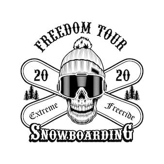 Czaszka snowboardzisty w kapeluszu ilustracji wektorowych. szef szkieletu, napis extreme freeride na skrzyżowanych deskach. koncepcja aktywności i sportu zimowego dla ośrodków narciarskich lub emblematów klubów i społeczności