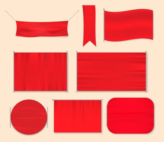 Czerwona jedwabna tkanina. pomarszczony materiał