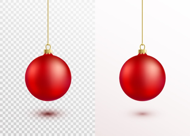 Czerwona piłka boże narodzenie wiszące na złoty ciąg na białym tle. realistyczna dekoracja świąteczna z cieniem i światłem