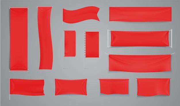 Czerwone tekstylne banery reklamowe. macha flagą z tkaniny na metalowym pręcie. kolekcja wektorów