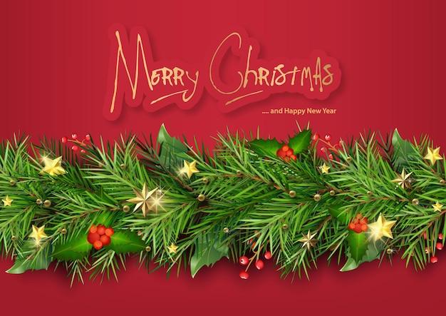 Czerwone tło bożonarodzeniowe z gałęziami choinki ozdobionymi bożonarodzeniowymi roślinami ostrokrzewu