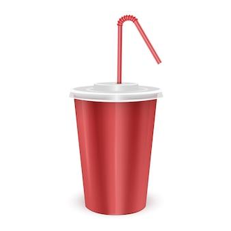 Czerwony papierowy kubek jednorazowy z pokrywką i słomką do picia na zimny napój