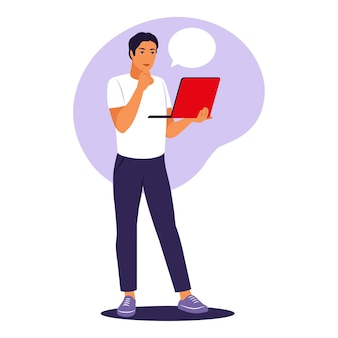 Człowiek stojący z laptopem. pracownik biurowy, koncepcja pracy zdalnej. ilustracja wektorowa. mieszkanie.