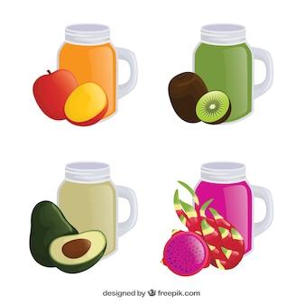 Cztery smaczne soki owocowe w realistycznym stylu