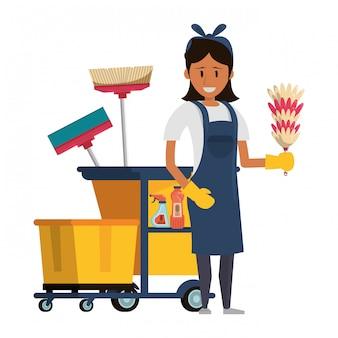 Czystszy pracownik z środkami czyszczącymi i sprzętem