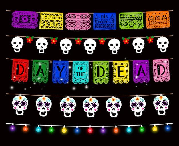 Day of dead, dia de los muertos, zestaw dekoracji na przyjęcie. tradycyjne girlandy na białym tle opakowanie. świecące kolorowe lampy, cukrowa czaszka wisząca na sznurku.