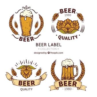 Dekoracyjne etykiety piwa w stylu ręcznie rysowanym