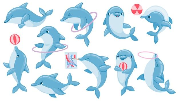 Delfiny z kulkami. cute cartoon niebieski delfin gra postaci, skakać przez obręcz i rysować. zestaw wektorów wydajności morskich zwierząt delfinarium. pokaz delfinów ilustracja skoku obręczy