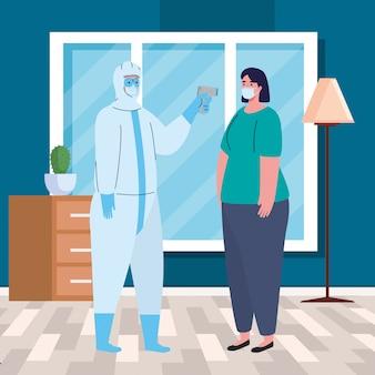 Dezynfekcja, osoba w wirusowym kombinezonie ochronnym, z cyfrowym bezkontaktowym termometrem na podczerwień, kobieta sprawdza temperaturę w domu