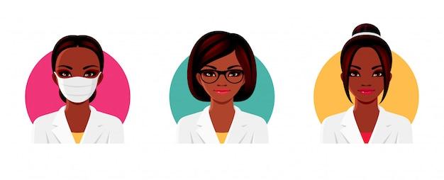 Doktor afro-amerykański charakter kobiety w białym mundurze medycznym z różnymi fryzurami, okularami i medyczną maską na twarz. zestaw żeńskich awatarów. ilustracja.