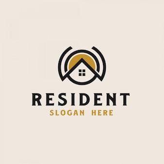 Dom na dachu z szablonem logo nieruchomości ikona koło. ilustracji wektorowych