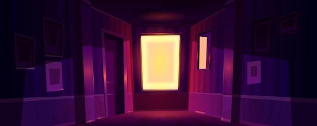 Domowy ciemny korytarz ze światłem słonecznym wpadającym przez okno rano lub wieczorem.