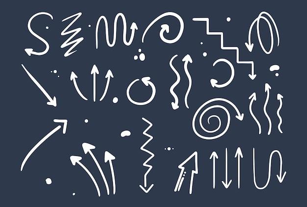 Doodle rysunek ręka stylu. strzałki o różnych kształtach, wskaźniki. ilustracja na białym tle wektor.