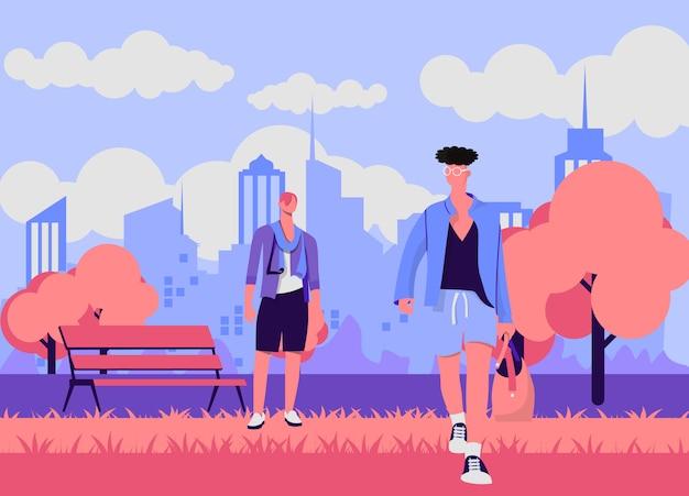 Dorośli faceci, mężczyźni, dwoje najlepszych przyjaciół w parku, przyjaźń