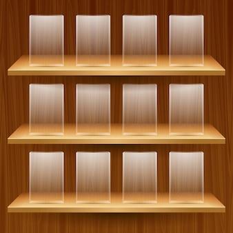 Drewniane półki z pustymi szklanymi skrzynkami