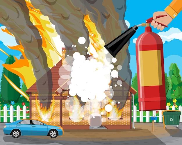 Drewniany dom pali ogień w domku. gaś pożar w domu. ręka strażaka z gaśnicą. ubezpieczenie mienia. krajobraz przyrody. koncepcja klęski żywiołowej. ilustracja wektorowa w stylu płaski