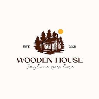 Drewniany dom sosna logo szablon na białym tle