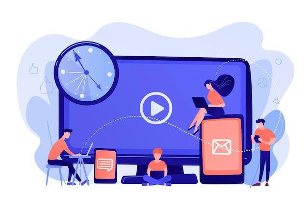Drobni biznesmeni oglądający ekrany urządzeń cyfrowych i zegar