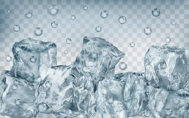 Dużo przezroczystych szarych kostek lodu i pęcherzyków powietrza pod wodą na przezroczystym tle. przezroczystość tylko w formacie wektorowym