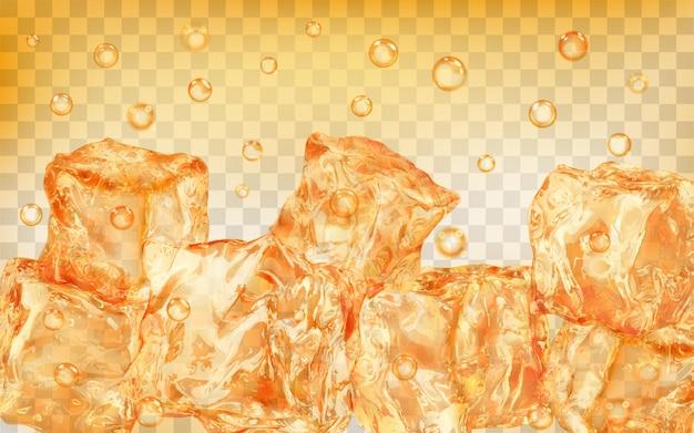 Dużo przezroczystych żółtych kostek lodu i pęcherzyków powietrza pod wodą na przezroczystym tle. przezroczystość tylko w formacie wektorowym